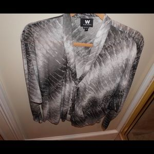 Gray & white long sleeve too by W by Worth
